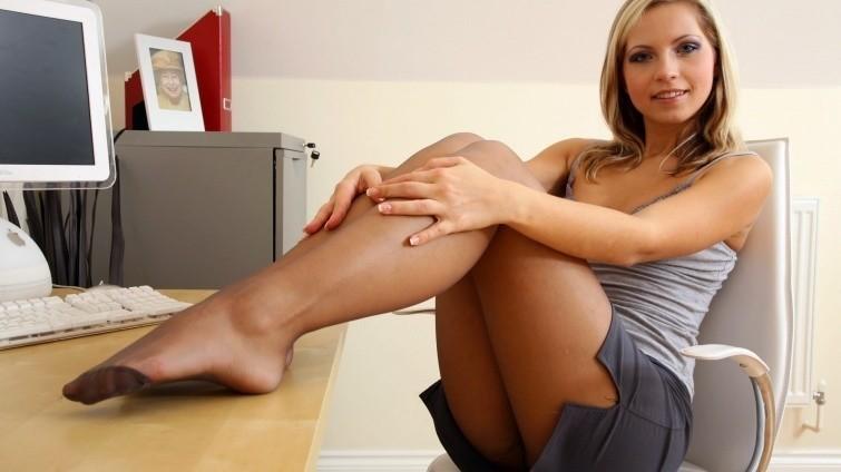 sekretarshi-razdvigayut-nogi