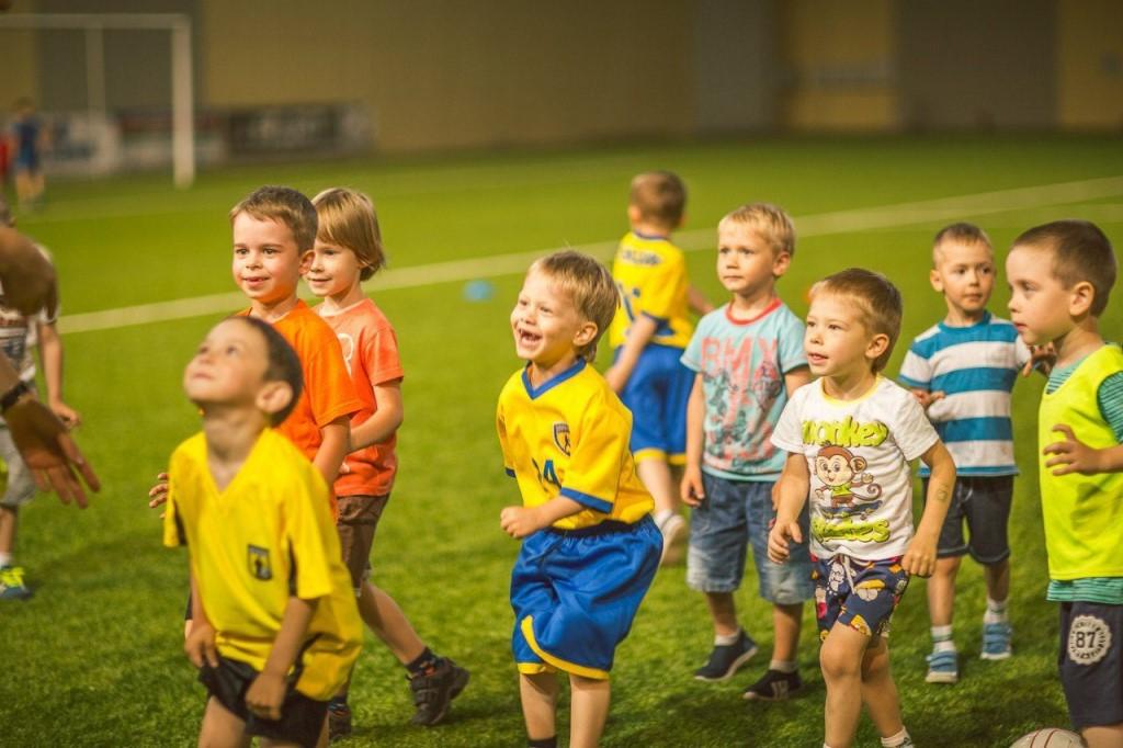 Во-первых, футбол - это очень активная и подвижная игра.