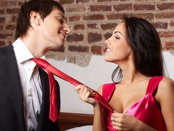 smotret-porno-zhestkiy-seks-s-krasotkami