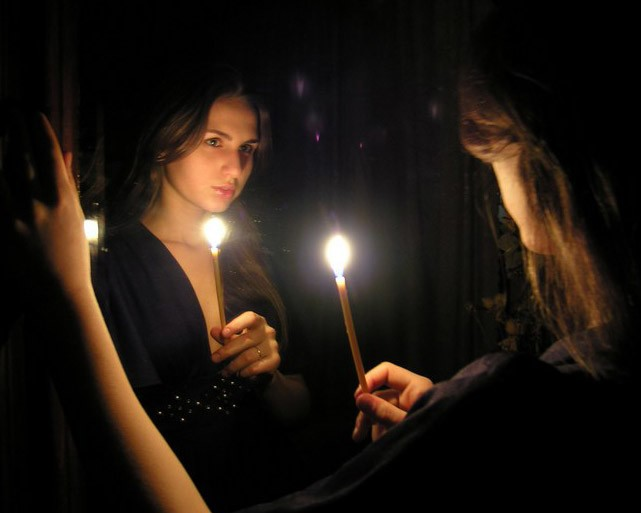 приворот на девушку с двумя зеркалами