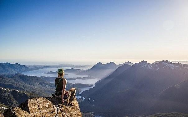 К чему снятся горы скалы — любая голая гора, то есть скалы — голод, безденежье, страдания, тревога.