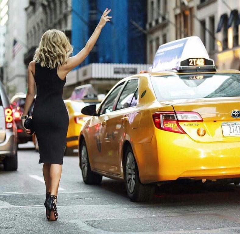 Таксист трахнул чужую жену видео смотреть