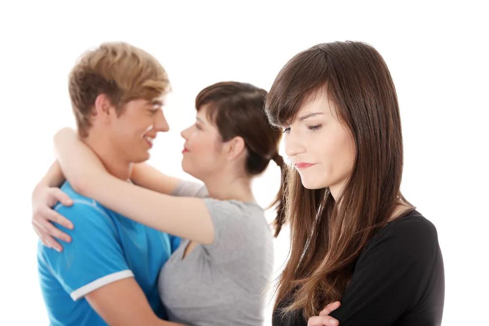 Знакомой зависти из мужа увести