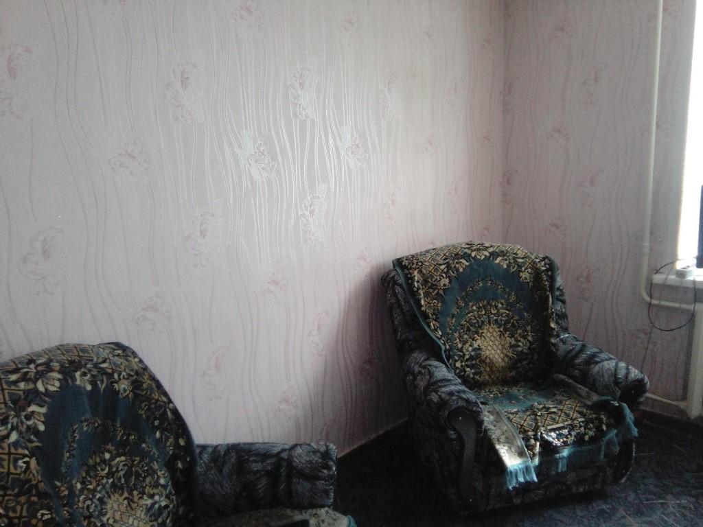 Собственник сдаю комнату в малосемейном общ г Яровое в центре в комнате
