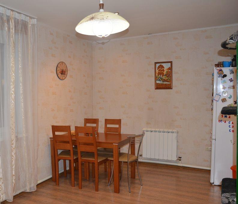 Продается 2-х этажный брусовой дом общей площадью 150 кв.м.