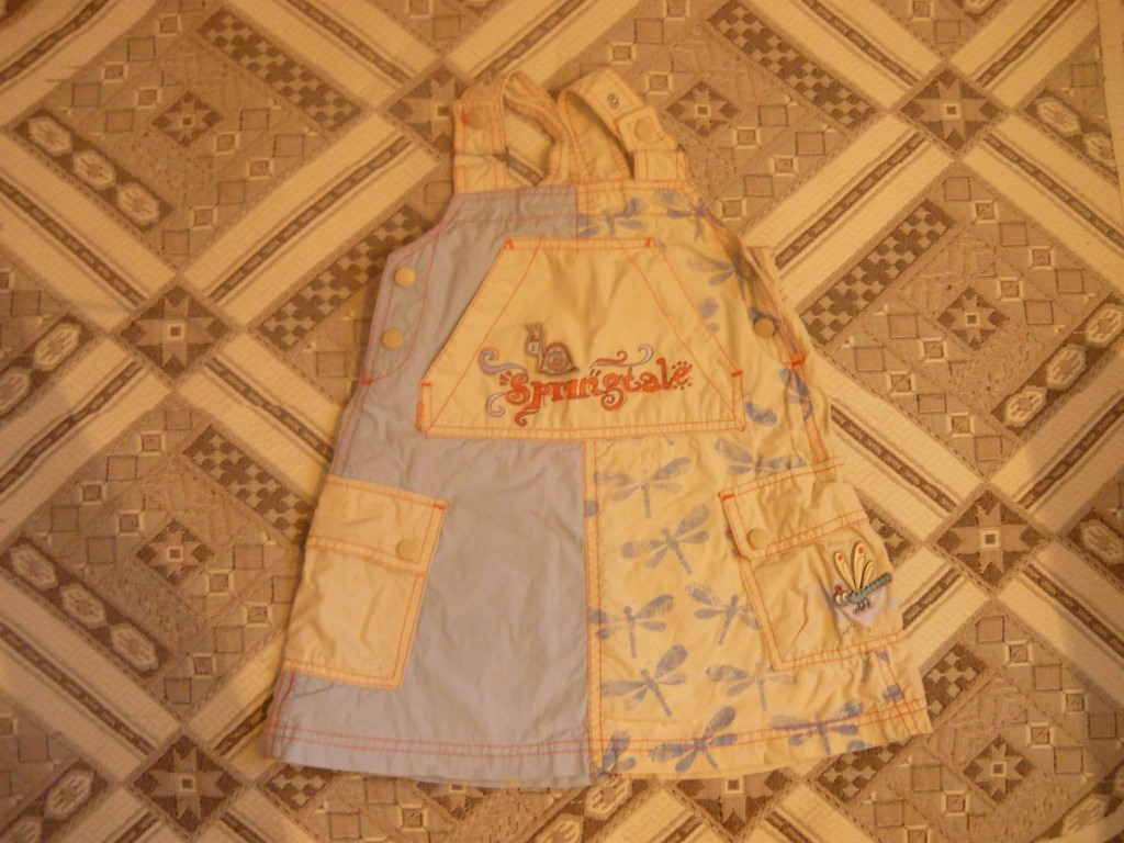 Продам сарафанчики на девочку,9-12-15 месяцев,цена за штуку 100 рублей