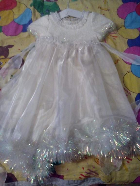 Продам нарядное платье,в хорошем состоянии,рост 110,цена 700р + подарок  к платью
