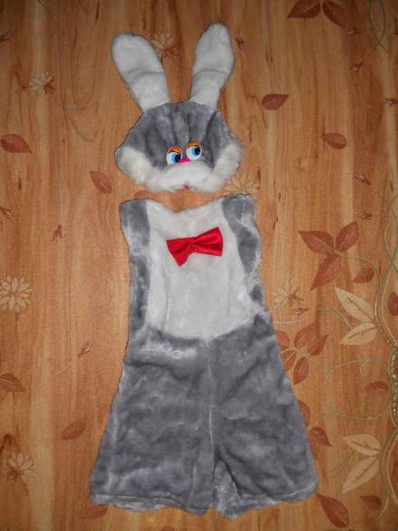 Продам костюм зайчика!