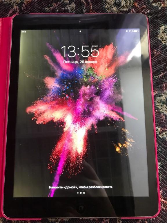 Продам планшет Айпад iPod Air в рабочем состоянии, внешний вид отличный, без сколов и трещин, с документами и коробкой, чехол в подарок